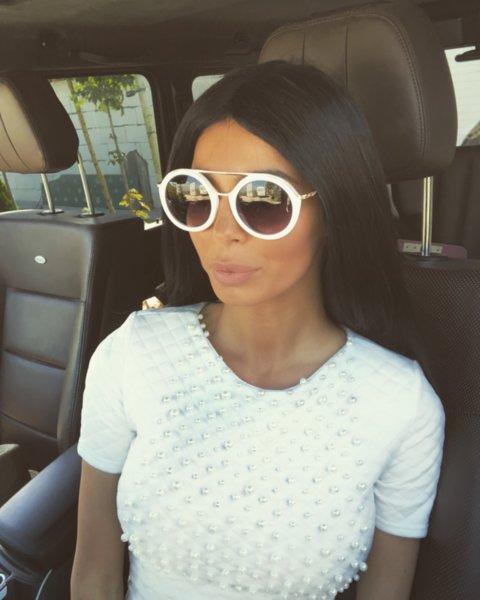 Мегз Блуза с перли с къс ръкав